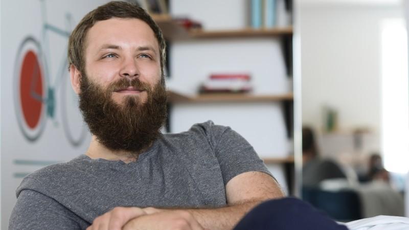 """[Creativul non-publicitar] Mihnea Ghildus, designer de produs: Pentru cineva din afara industriilor de profil, """"creativ"""" e un cuvant ce trece foarte repede pe langa urechi"""