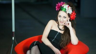 [Statusul unui tanar creativ] Simina Zidaru: Stiu de la prietenii mei care n-au nicio legatura cu lumea asta ca suntem priviti cu usoara invidie. Ceea ce-i de bine