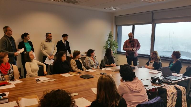 """Angajatii Grupului CEZ in Romania au inregistrat primul audiobook din """"Biblioteca de energie"""""""