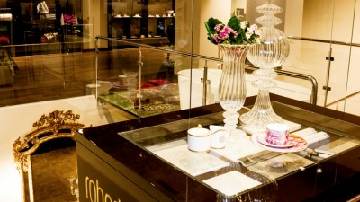4AcePR gestioneaza comunicarea Collezioni, showroom-ul care aduce in Romania Roberto Cavalli Home Luxury Tableware si Roberto Cavalli Home Linen