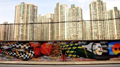 Obie Platon, artist vizual: S-a intamplat sa ma opresc la ziduri care mi se pareau potrivite si sa vorbesc direct cu proprietarul, iar cu propriul buget realizam spontan un mural