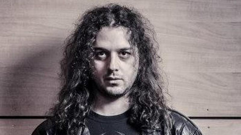 """Cristian Baita, un programator care si-a transformat lipsa de romantism intr-o aplicatie """"dragalasa"""""""