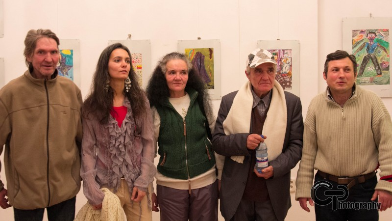 Povesti de viata spuse intr-un tablou, prima expozitie de pictura si arta a persoanelor adulte fara adapost