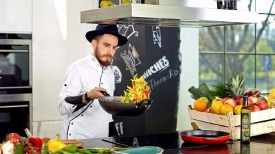 Chef Foa gateste pentru clientii Kaufland Romania.