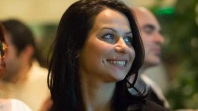 [O zi din viata] Andreea Burlacu: Niciodata n-ai cum sa stii cand vine un brief. Ce daca e vineri ora 6? Trebuie rezolvat urgent