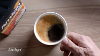 Amigo, leaderul absolut al pietei de cafea pure instant, provoaca piata de cafea prajita si macinata: tu de ce bei cafea?
