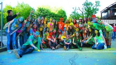 Cand voluntariatul se combina cu distractia, rezulta Brigada de Voluntari