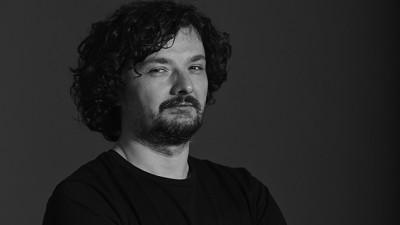 """Dan Vezentan, New Folder Studio: Cu fiecare noua agentie cu care incepeam sa lucram, adaugam un """"new folder"""", dupa care sarbatoream. Denumirea a aparut fara sa ne dam seama"""