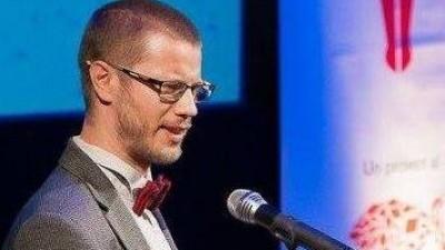 [Mutatia stirilor online] Dan Duca, Antena3.ro: Mi-e teama ca arhanghelii nu se ocupa cu presa in lumea asta, ca Dumnezeu nu i-a distribuit la biroul de comunicare, dar ce-i drept, nici in politica nu i-a trimis