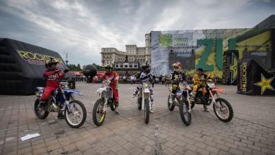 Cinci dintre cei mai buni rideri FMX din lume au facut spectacol la Bucuresti, la Flying Rockstar Energy Tour
