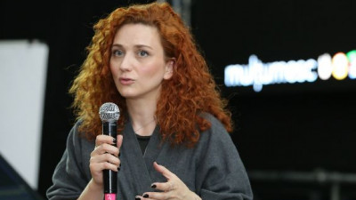 [Conferintele FIBRA] Ce ii diferentiaza pe consumatorii traditionali de cei noi? Ne-a raspuns Laura Nedelschi (DDB Romania)