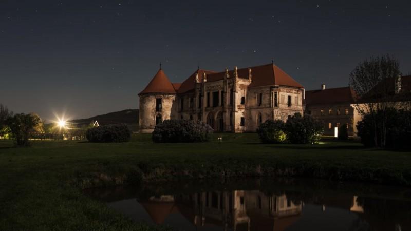 Electric Castle militeaza pentru #electricmonday cu noua campanie Unofficial Partners