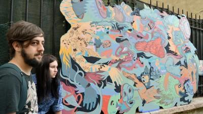 Design, ilustratie si murale la doua capete si patru maini. Super Smooth Studio