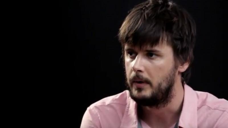 Alex Volocaru este invitatul din cel de-al treilea episod Pink Crayon, serialul produs de 2Performant