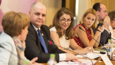 """Fundatia Renasterea lanseaza prima """"Coalitie pentru Sanatatea Femeii"""". In cadrul evenimentului de lansare au fost prezentate primele rezultate ale studiului """"Afectiuni oncologice feminine in Romania"""""""