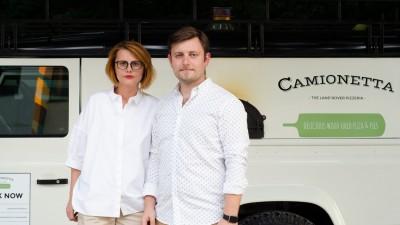 Camionetta - pizzeria mobila intr-un Land Rover