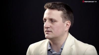 Radu Dumitru este invitatul din cel de-al optulea episod Pink Crayon, serialul produs de 2Performant