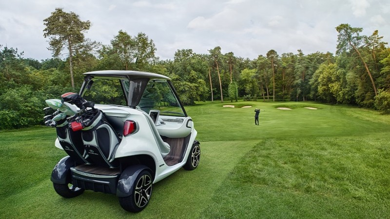 Mercedes-Benz Style Edition Garia Golf Car, un star pe terenul de golf