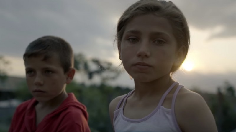 """""""Cel mai dificil a fost să o facem pe fetiță să zâmbească"""". Despre campania """"Pâine și Mâine"""", cu Cristina Moșteanu (World Vision România)"""