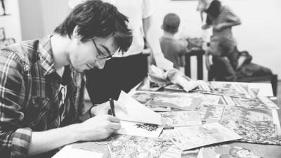"""[Cu BD-urile în mână] Vlad Forsea: Mentalitatea """"hăăă, desenele sunt doar pentru copii"""" ne oprește din avea mai multe traduceri, mai multe edituri interesate și mai mulți artiști talentați"""