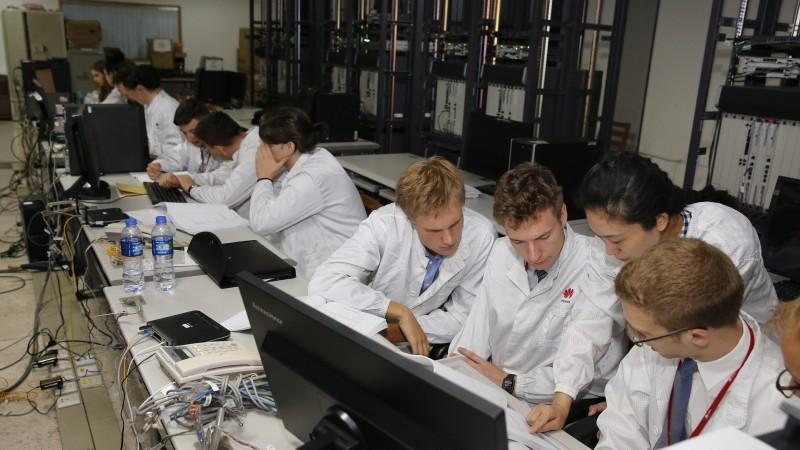 Noi oportunitati pentru studentii romani in cadrul programului Seeds for the Future initiat de Huawei Romania