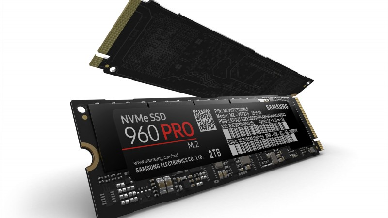 Samsung aduce memoriile NVMe mai aproape de utilizatori, prin SSD-urile 960 PRO si EVO