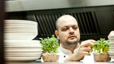 [Food si blog] Cristi Roman: Sunt un ciudat. Majoritatea vacantelor sunt strict culinare. Decat sa zac la plaja, mai bine bat bistrourile