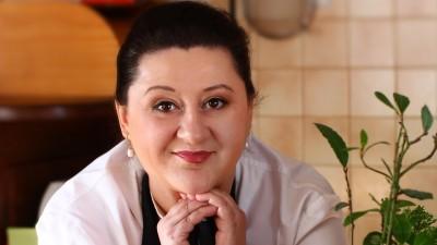 [Food for blog] Laura Laurențiu: Când oamenii văd la televizor/pe internet imagini care le stârnesc pofta, vor dori acel preparat, nu un altul, care ar putea fi livrat sau comandat la restaurant