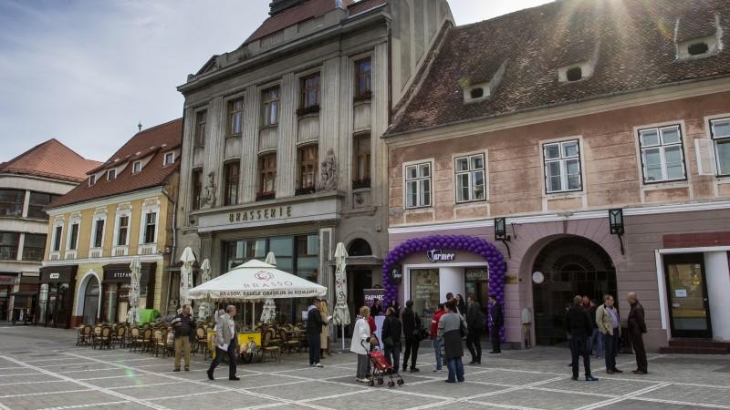Un nou magazin Farmec se deschide in Brasov