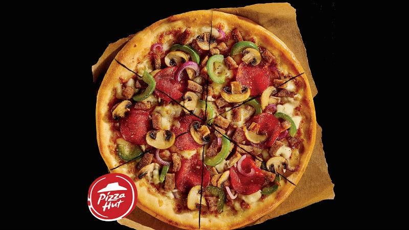 Pizza Hut, inamicul mancatului pe fuga