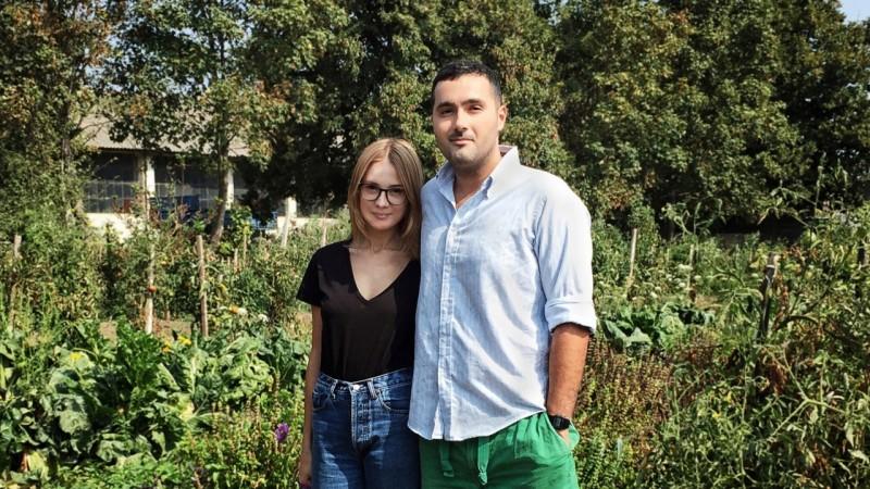 [Fermieri romani] Legume bio de toate culorile cresc la Sibioara, ferma constanteana cu cont de Instagram