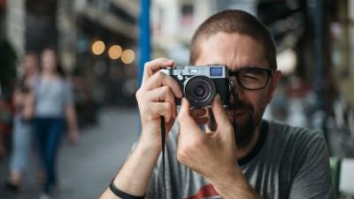 Bancul preferat al lui Hajdu Tamas: diferenta dintre un fotograf si o pizza este ca o pizza poate hrani o familie