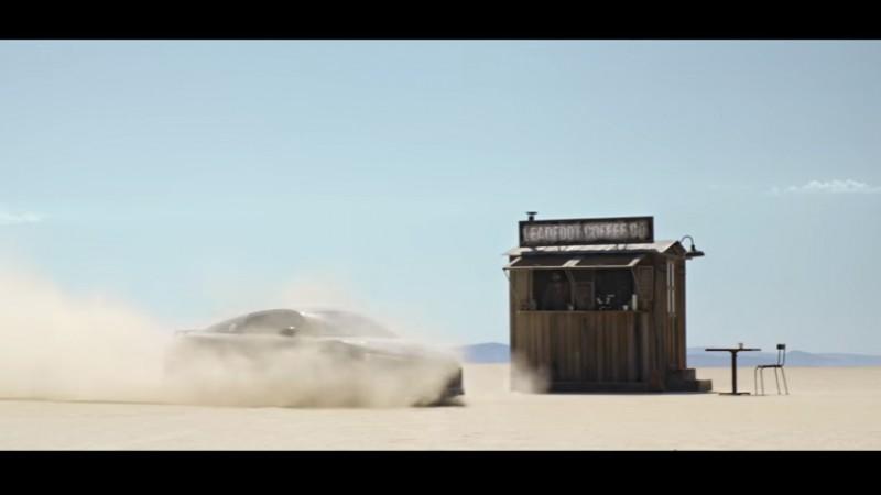O lupta, un deșert și o mașină