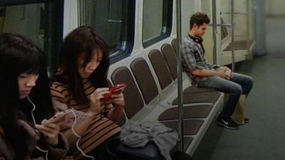 Project Agora lanseaza in Romania, Grecia, Ungaria si Emiratele Arabe Unite o campanie pentru trecerea la publicitatea video verticala pe telefonul mobil