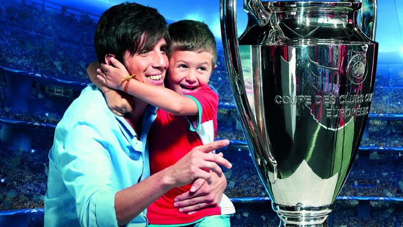 UniCredit aduce performanta sportiva mai aproape de romani: Trofeul UEFA Champions League ajunge la Iasi, Bacau si Bucuresti intre 13 si 18 septembrie