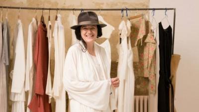 [Faurari in fashion] Carmen Secareanu: Nu pot spune ca m-am specializat pe un anume obiect vestimentar, eu creez colectii cu tinute complete