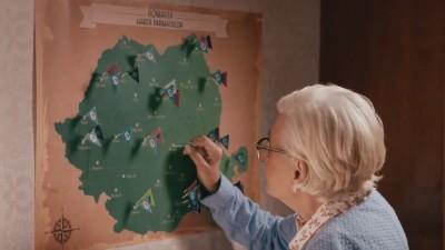 Bunica bate tara
