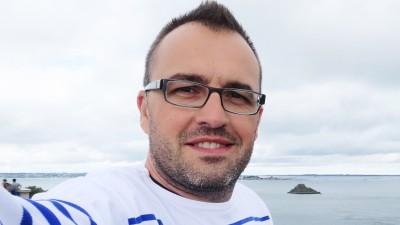[Influenceri printre noi] Emanuel Romedea: Au fost situatii in care am cautat eu brandurile sau agentiile cu propuneri de proiecte