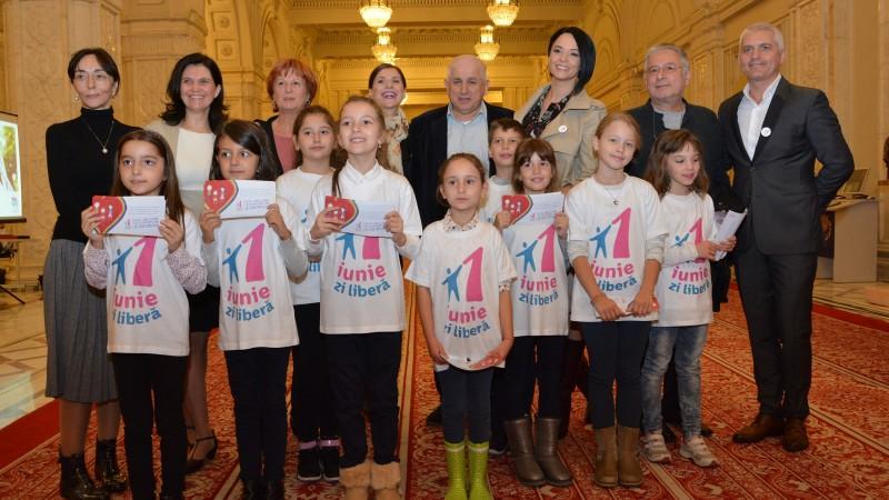 Itsy Bitsy FM şi Andreea Marin, Tily Niculae, Virgil Ianţu au venit în Parlament să susţină 1 Iunie zi liberă naţională