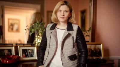 16 ani de presă, unul de PR. Oana Dobre-Dimofte: Tocmai atunci când îți dai jos fardul, oamenii încep să te creadă pe internet
