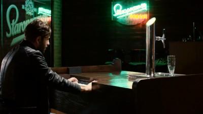 Staropramen lanseaza un nou concept de shopping: cumparaturi cu cantec. Clientii hypermarketurilor pot testa primul pian care te serveste cu bere si primul raft muzical