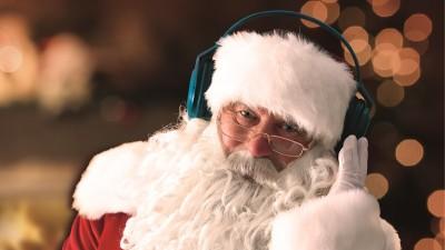Moş Crăciun în direct la radio