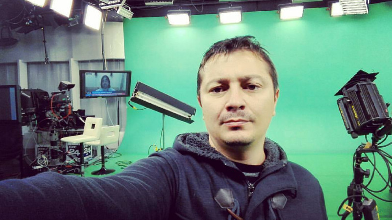 [Bunele maniere online] Bogdan Ciuclaru, Pro FM: Picturi rupestre, poze cu ce-am vânat, Instagram. Ăștia suntem de când suntem. Ne place să ținem jurnal și să primim like-uri