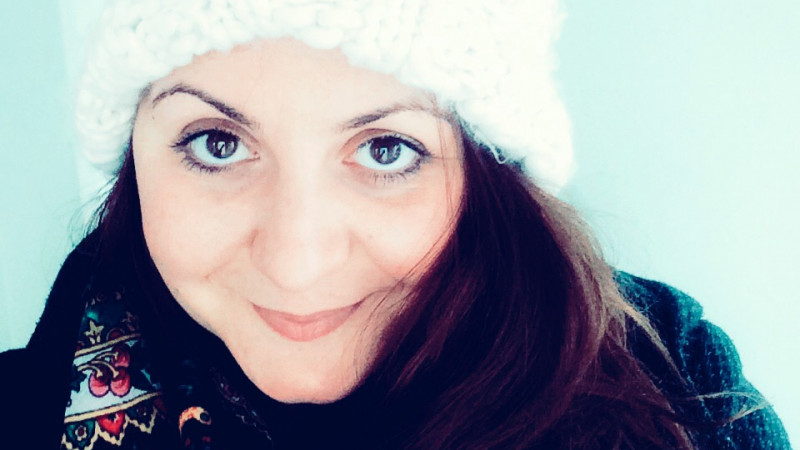 [Bunele maniere online] Adela Preda, oglinda murdara de la baie, navele spatiale si robotii politicosi