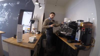 [Specialiștii în cafea] Doi navigatori îți aduc cafeaua la birou, dacă trebuie