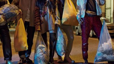 H&M te îndeamna să aduci hainele folosite pentru a fi transformate în noi produse