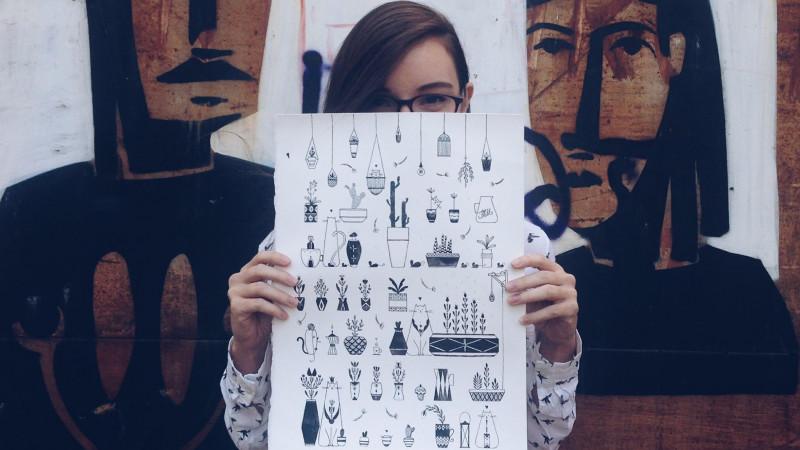 Mura, adică Ana Fornoga, ilustrează ca freelancer. Agenții și reviste îi cer ajutorul