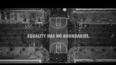 Două reclame cu egalitate