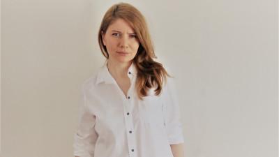 O agenție care creează nume cu povești. Alina Chirvase, despre ascensiunea brandurilor independente, minimalism în design și mai multă subtilitate în packaging