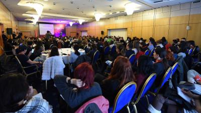 Digital Report se lansează la Social Media Summit Bucureşti